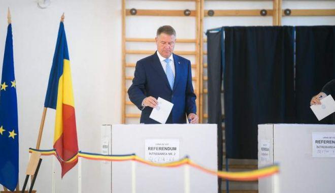 Foto: Iohannis către românii de la cozi: Vă rog, nu vă pierdeți răbdarea, nu renunțați la votul dumneavoastră!