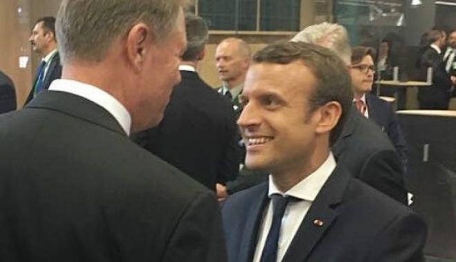 Foto: Klaus Iohannis se întâlneşte cu Emmanuel Macron