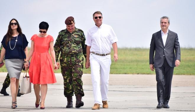 Foto: Galerie foto-video / Preşedintele Klaus Iohannis, prezent la baza militară din Mihail Kogălniceanu