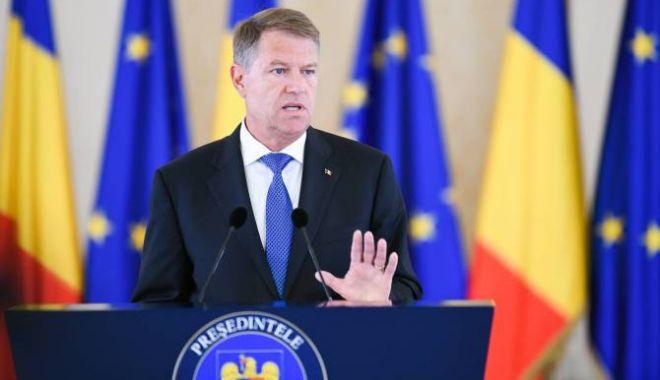 Foto: Președintele Klaus Iohannis a semnat decretele pentru numirea noilor miniștri de la Dezvoltare și Transporturi