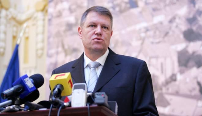 Iohannis  s-a adresat Parlamentului la un an de mandat. Ce şi-a propus pentru 2016 - iohannisadresareparlament-1450285906.jpg
