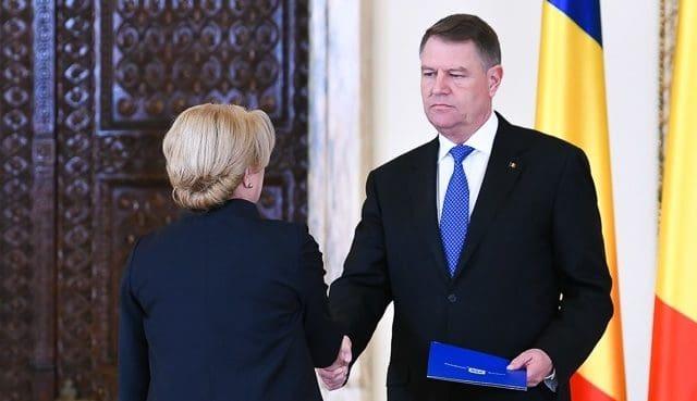 Foto: Klaus Iohannis: Doamna prim-ministru m-a asigurat că sunt bani pentru pensii. Apoi am promulgat legea