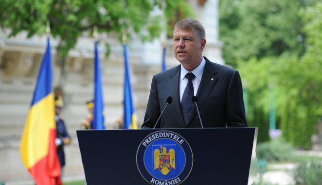 Foto: Iohannis, la recepţia de Ziua Europei: Sunt unii politicieni care sugerează că ne-ar fi mai bine în afara UE, omiţând beneficiile