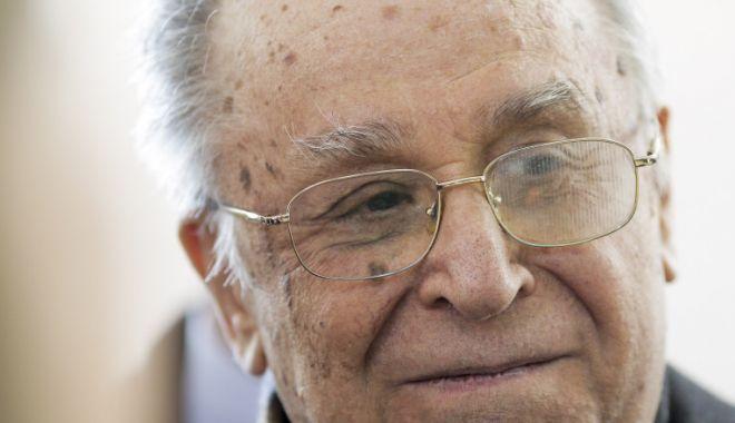 Fostul președinte Ion Iliescu împlinește astăzi 91 de ani - ioniliescu-1614760758.jpg