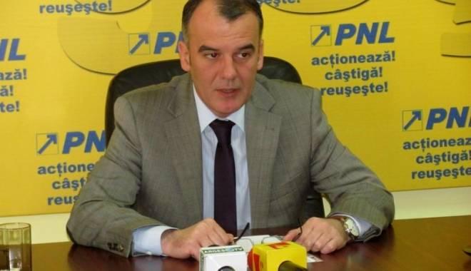 """Foto: Ion Popa: """"Am retras moţiunea PNL"""""""