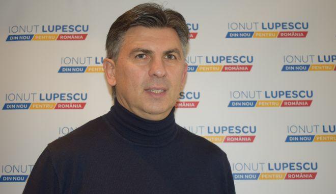 Foto: Bătălia pentru şefia FRF. Ionuţ Lupescu a ajuns la Constanţa