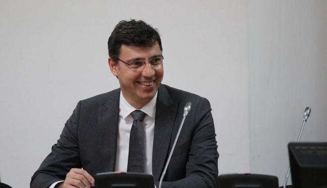 Foto: Ionuţ Mişa: România înregistrează prima creştere economică din Uniunea Europeană