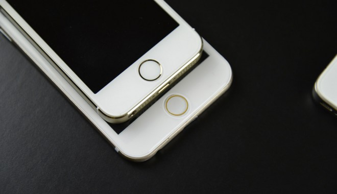 """Foto: FOTOGRAFII cu noile modele iPHONE 6 cu ecran 4.7"""" şi 5.5"""""""