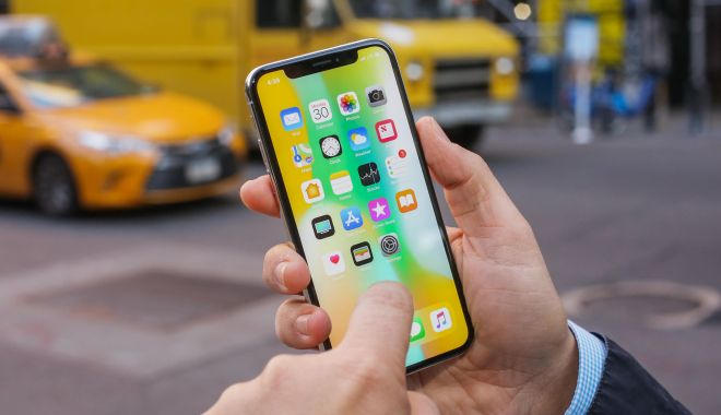 Probleme pentru iPhoneX. Ecranele defecte vor fi înlocuite gratuit - iphonex54-1542096989.jpg
