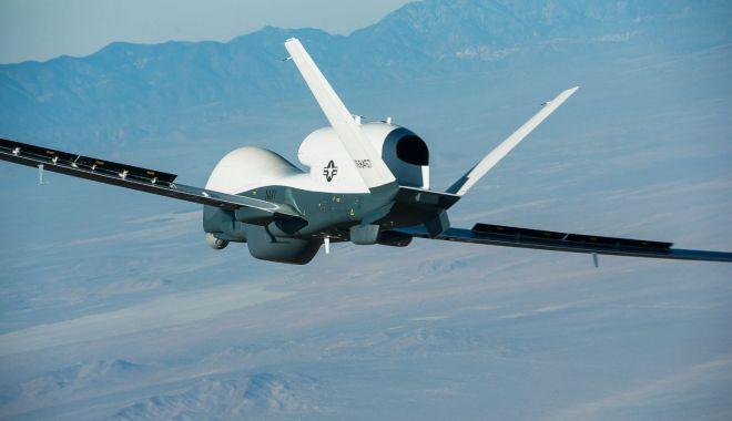 Foto: Iranul anunţă că a doborât o dronă americană deasupra teritoriului său