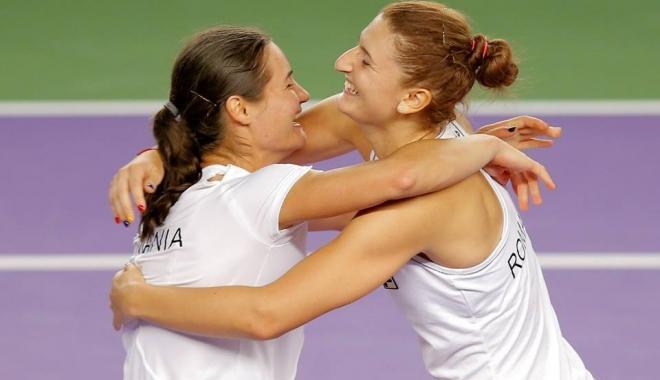 Foto: Irina Begu şi Monica Niculescu s-au calificat în semifinalele probei de dublu de la Australian Open