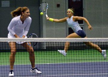 Foto: Perechea Irina Begu şi Mihaela Buzărnescu va juca finala de dublu a turneului WTA de la Eastbourne