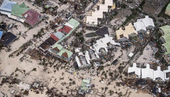 Foto: Uraganul Irma s-a intensificat la categoria 5 şi a ajuns în Cuba. Peste un sfert din populaţia Floridei a primit ordin de evacuare