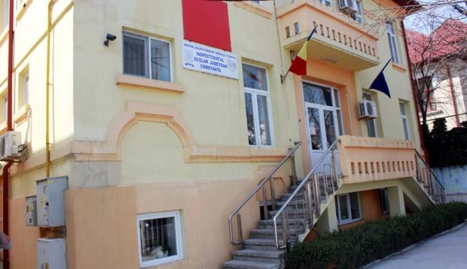 """Foto: Elevi intoxicaţi cu sulf. ANCHETĂ la Liceul """"Călinescu""""!"""