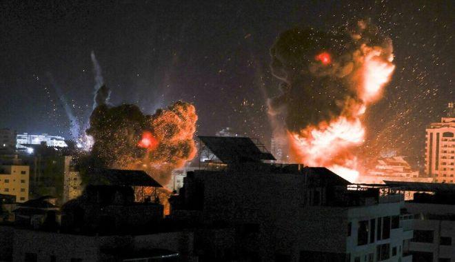 Israelul a atacat din nou Fâşia Gaza, după ce Hamas a trimis baloane incendiare - israelaatacat-1624028168.jpg