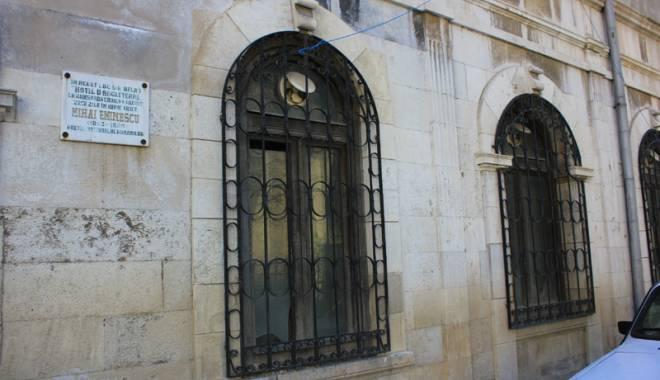Istoria Constanței, vândută bucată cu bucată. Hotelul unde a stat Eminescu costă 3 milioane euro - istoriaconstanteiintim10-1429115748.jpg