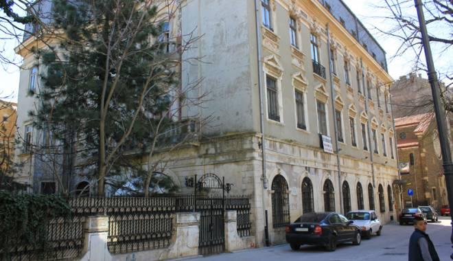 Istoria Constanței, vândută bucată cu bucată. Hotelul unde a stat Eminescu costă 3 milioane euro - istoriaconstanteiintim11-1429115715.jpg