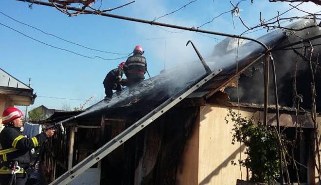 Foto: Pompierii, solicitaţi la zeci de intervenţii