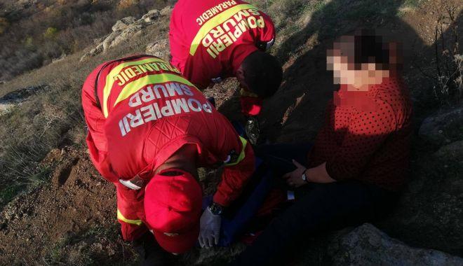 Foto: Femeie preluată de elicopterul SMURD din Munții Măcinului, după ce s-a accidentat în excursie