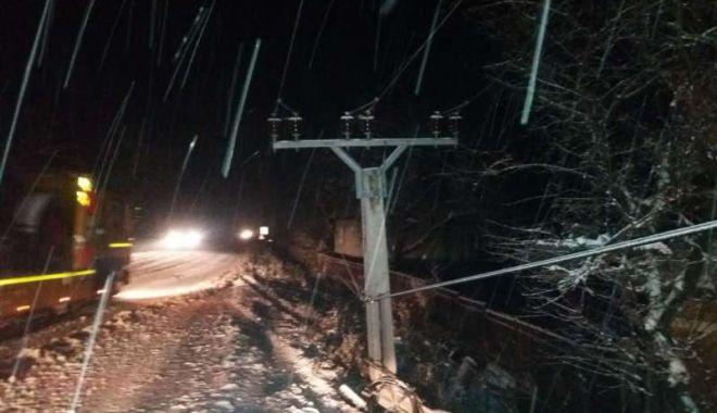 Șoferi, atenție! Drumuri îngreunate din cauza zăpezii - isumures22-1575322060.jpg