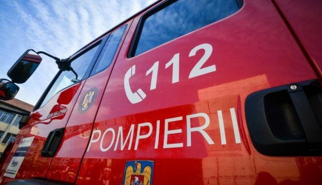 Foto: Incendiu la Constanța! Intervin pompierii