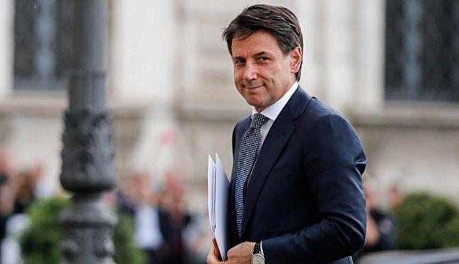 Foto: Italia: Liderii populiști, furioși după retragerea premierului desemnat Giuseppe Conte