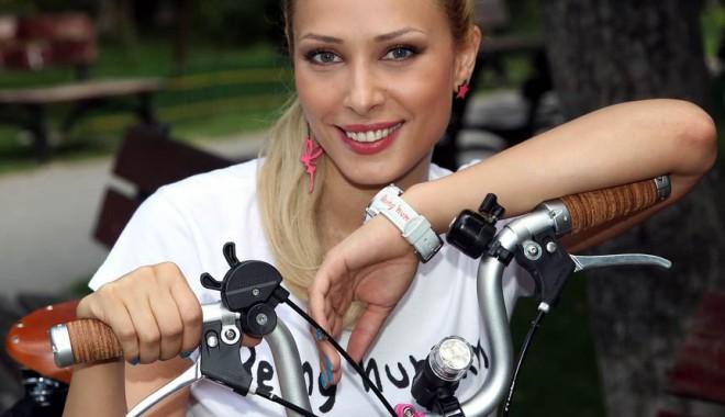 Foto: Iulia V�ntur are probleme cu pielea?