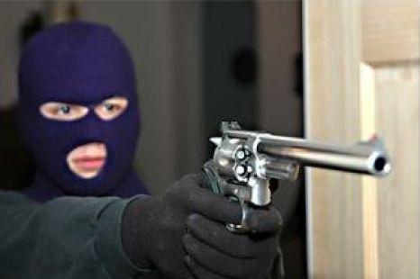 Jaf cu mascați și focuri de armă la Casa de Cultură Constanța - jaf-1323176844.jpg