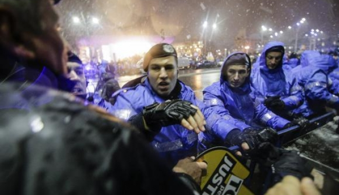 Foto: Afară din Jandarmerie! Un personaj grobian care face de rușine o armă respectată