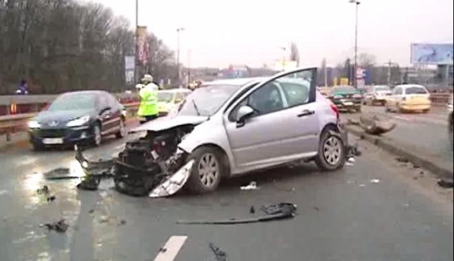 Foto: ACCDIENT RUTIER, după ce un jandarm s-a urcat beat la volan