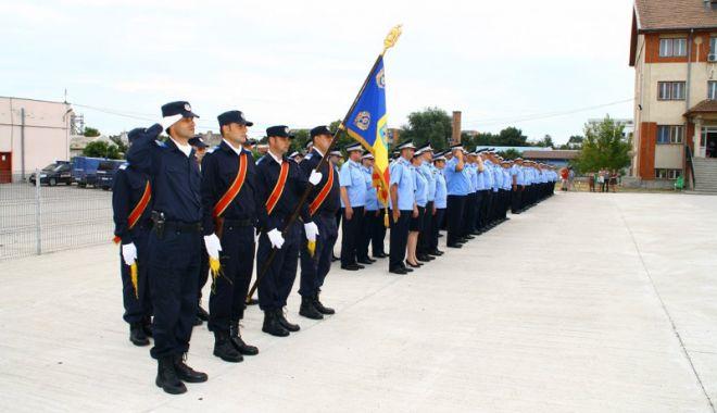 Jandarmii constănţeni omagiază eroii căzuţi pe câmpurile de luptă - jandarmeriaziuaeroilor-1526487848.jpg