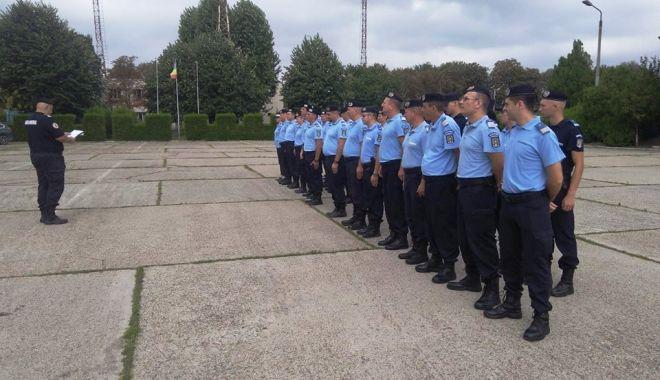 Foto: Jandarmi constănţeni avansaţi în grad, la termen
