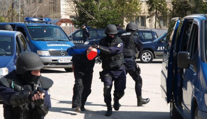 Foto: Jandarmii constănţeni pregătesc un exerciţiu antitero de amploare