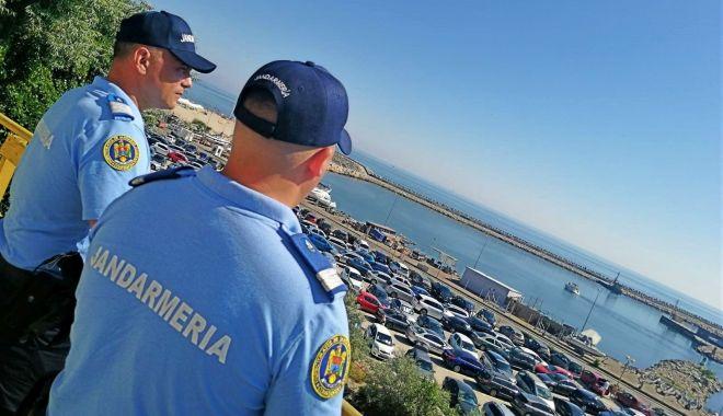 Foto: Jandarmii, la datorie, pe litoral