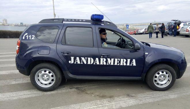 Foto: Jandarmii veghează asupra liniştii publice