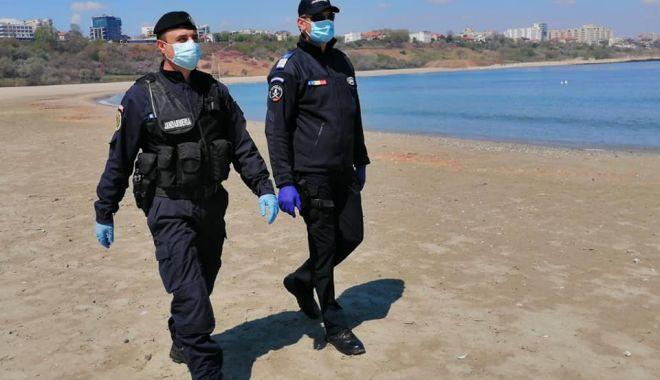 Jandarmii  au confiscat unelte  de pescuit ilegale - jandarmipescuit1-1593104273.jpg