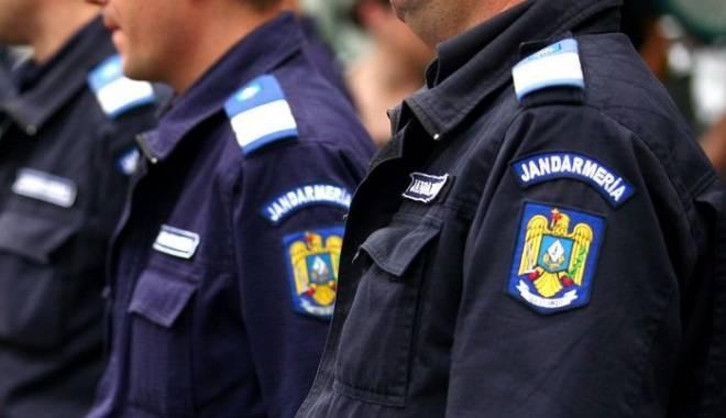 Foto: Zeci de jandarmi, pe străzile din judeţul Constanţa. Iată motivul