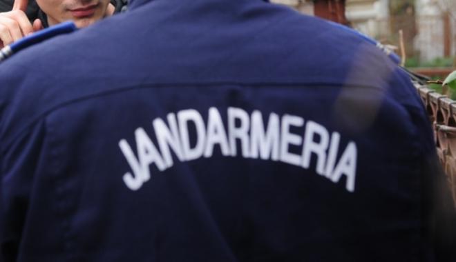 Foto: MEDICI AGRESAŢI ÎN SPITAL /  Jandarmii, prezenţi în unităţile medicale