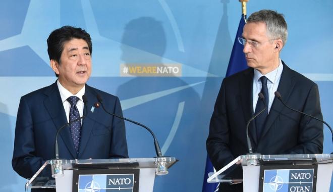 Foto: Japonia și NATO doresc creșterea  presiunii asupra Coreei de Nord