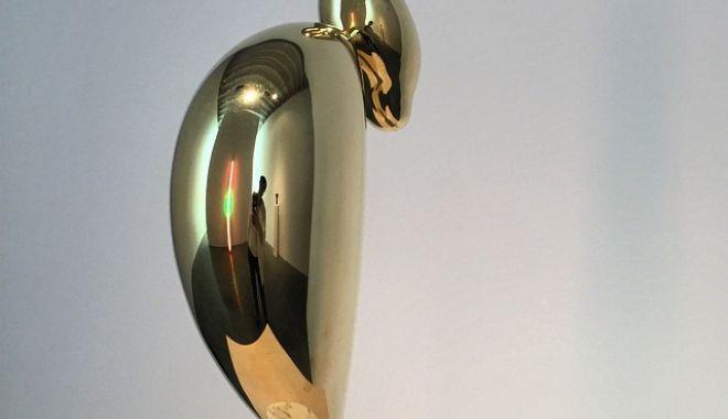 Foto: O sculptură realizată de Constantin Brâncuşi, vândută cu preţul record de 71 de milioane de dolari