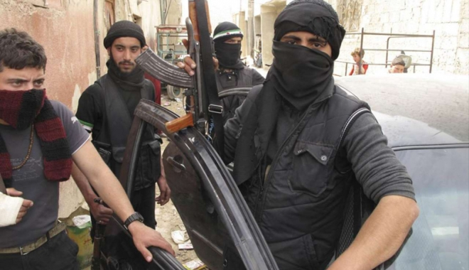 Foto: Jihadiştii grupării Statul Islamic, asediaţi  în oraşul Al Bab
