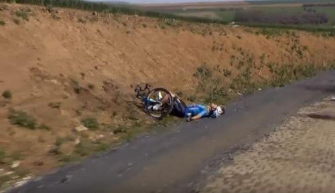 Foto: Ciclistul de 23 de ani care a suferit un stop cardiac a murit la spital