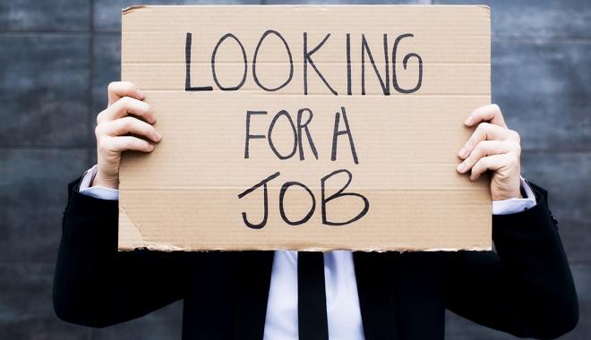 Foto: A crescut şomajul. Mai mulţi bărbaţi decât femei au rămas fără job