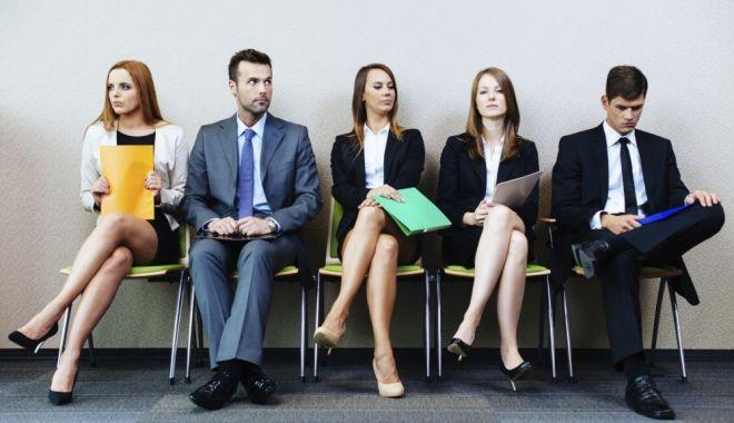 Foto: Peste 19.000 de persoane angajate în prima lună a anului
