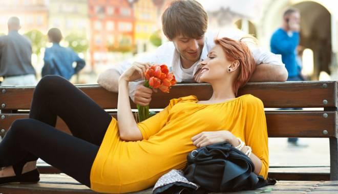 Foto: Jocul seducției dintre parteneri consolidează relația  de cuplu