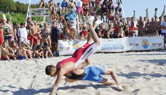 """Foto: Pe plaja """"Laguna"""" / Jocurile Sportive ale Mangaliei, show şi performanţă"""