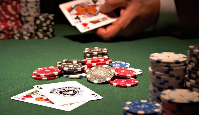 Foto: Jocurile de noroc şi industria turismului atrag venituri în creştere