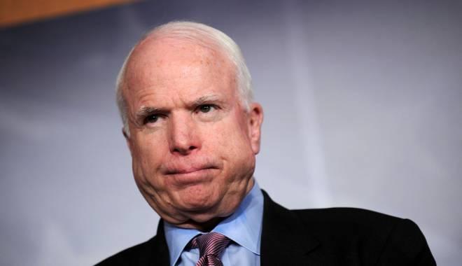 Foto: Doi senatori americani vor 100.000 de soldați străini contra SI