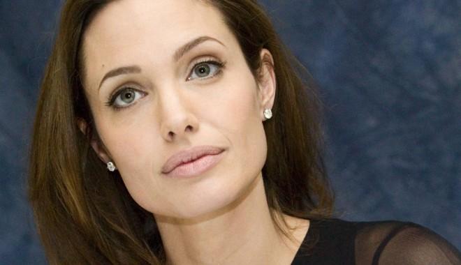 Clipe grele pentru Angelina Jolie: