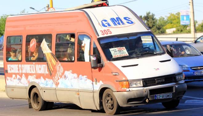 """Foto: Maxi-taxi, o afacere deasupra legii. Dezvăluiri uluitoare: """"Nu mai îndeplinesc condiţiile, dar merg în continuare"""""""